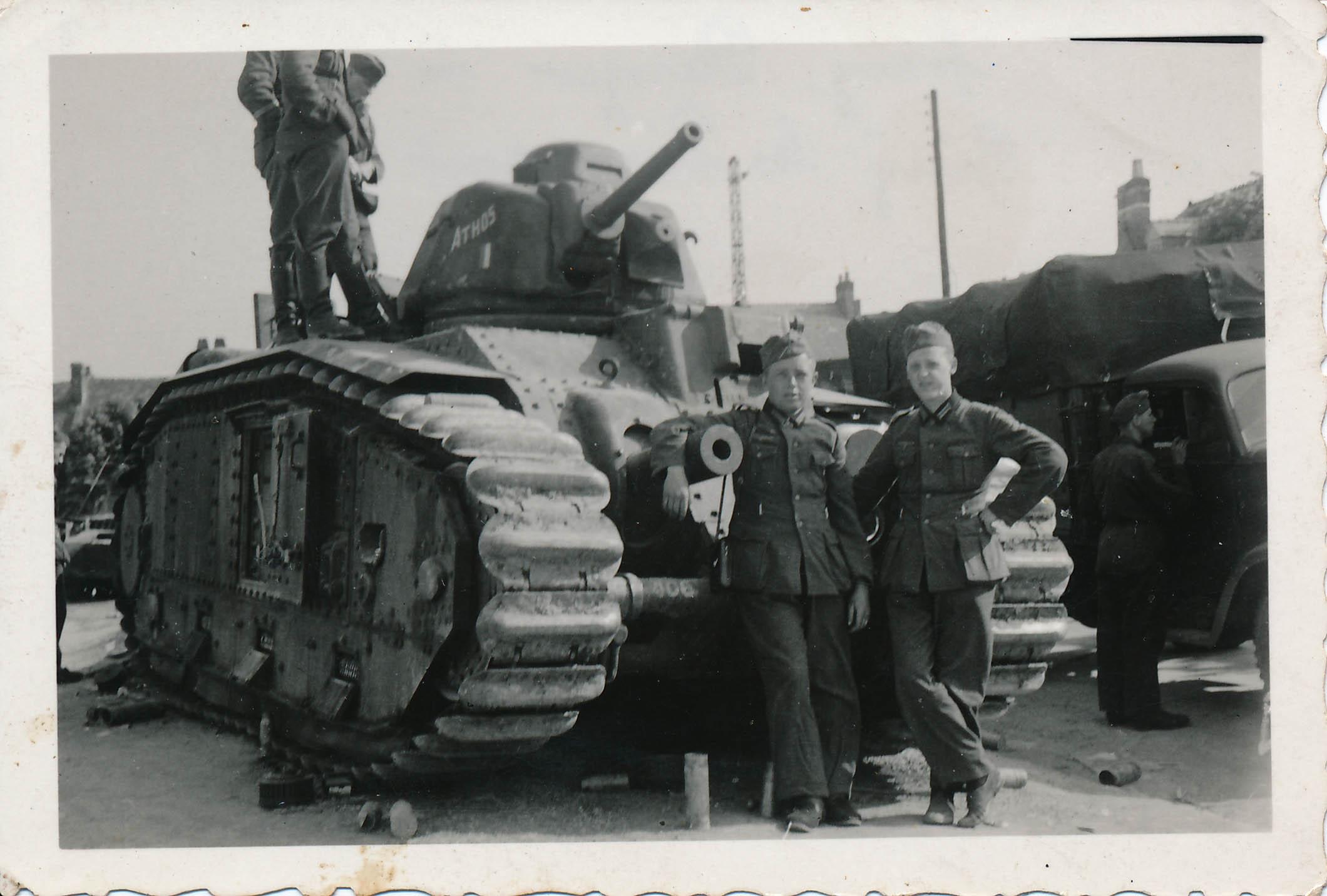 """""""franz. Panzer in Bucy les Pierrepont"""", 30.5.1940"""